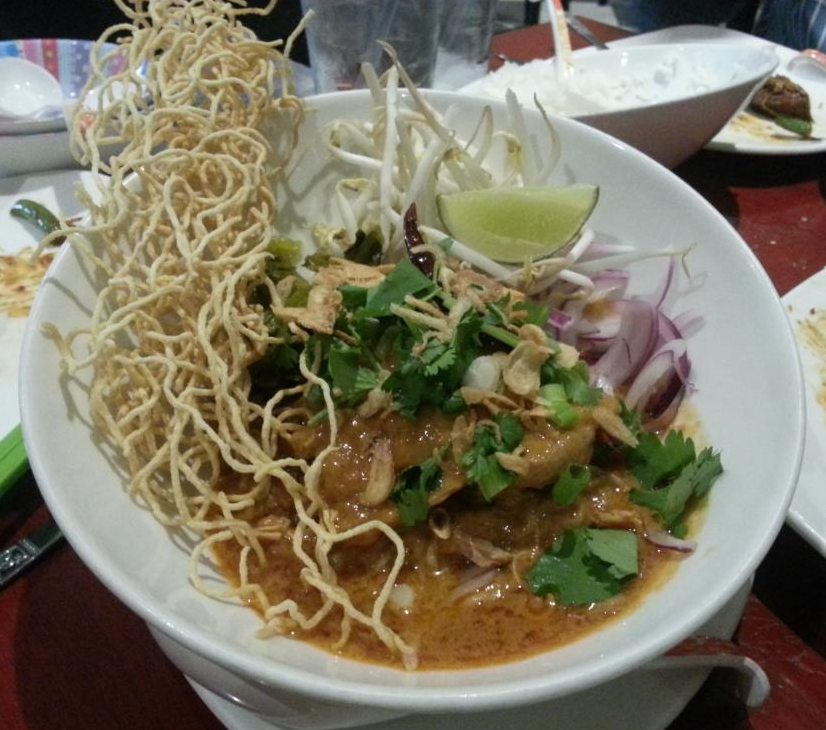 Chiang Mai noodles with chicken